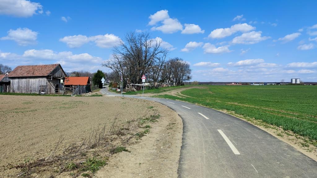 Cyklotrasa Slovenský Grob – Viničné (VIDEO)